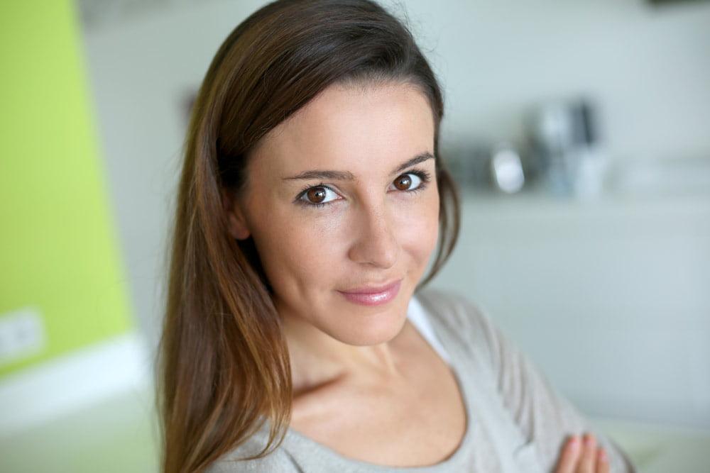 التخلص من الام تليف الرحم - كيف تخلصت السيدة عفاف من الآلام المزمنة لتليف الرحم؟