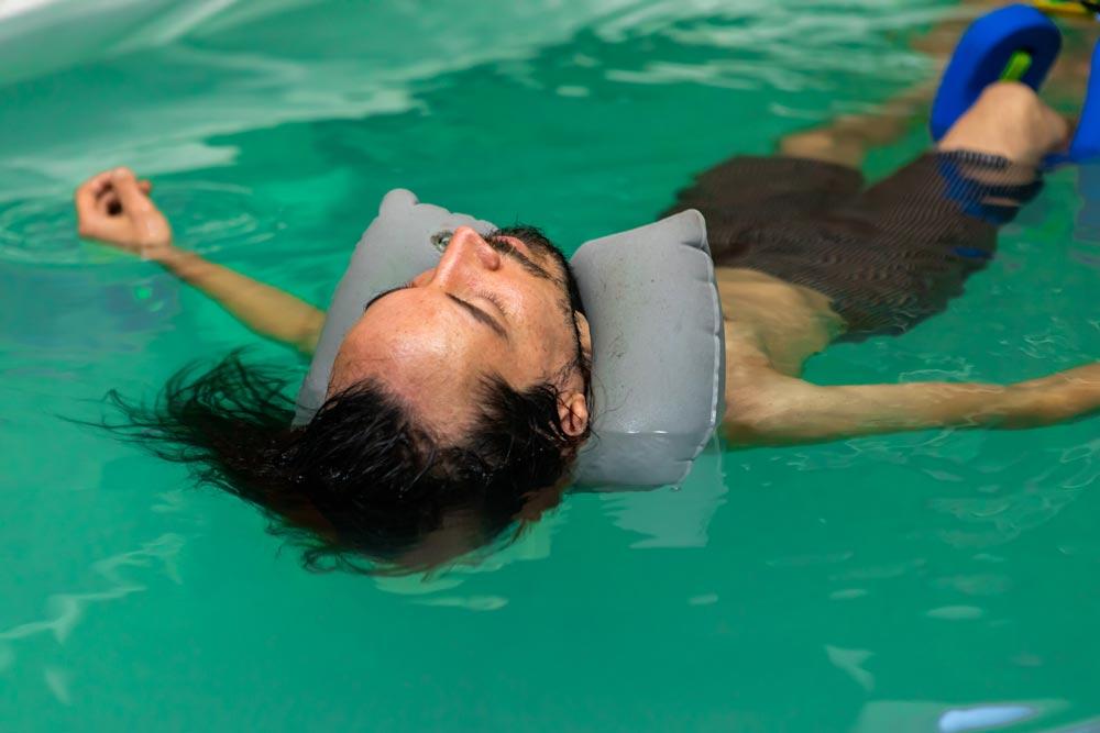 علاج التصلب اللويحي بالماء: حقيقة أم خرافة؟ الإجابة تجدها هنا