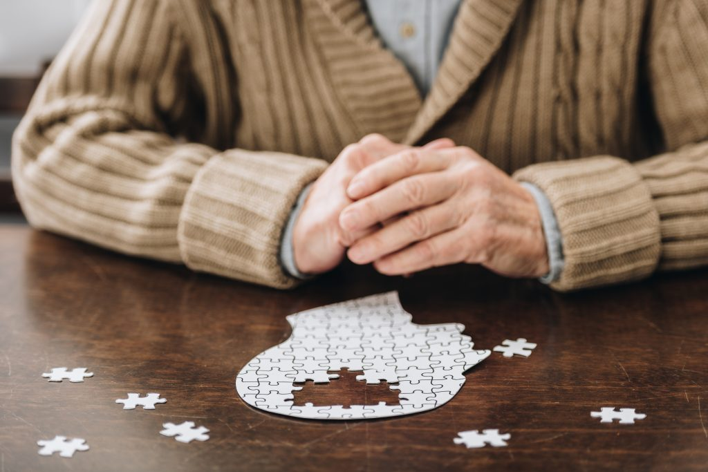 Causes for Parkinson's disease and Possible Symptoms