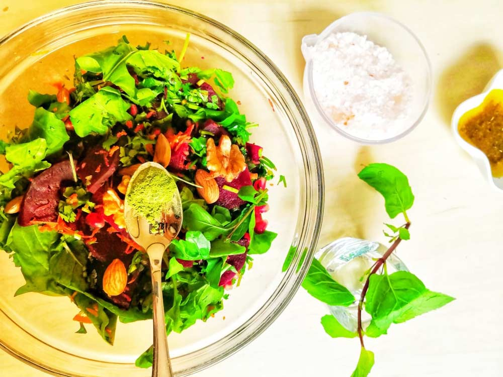 Rocket and Beetroot Salad to Control